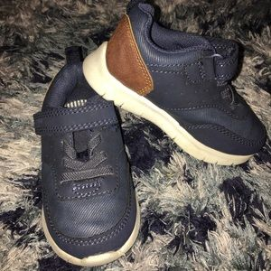 OshKosh toddler tennis shoes